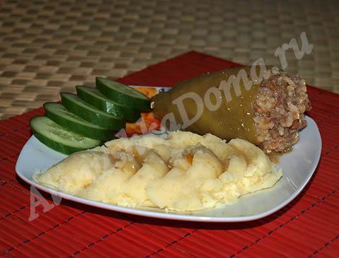 Болгарский перец фаршированный мясом с рисом