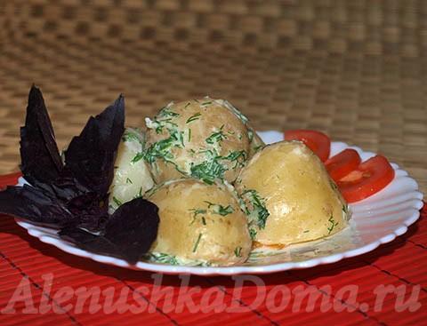 Отварная картошка. Готовое блюдо.