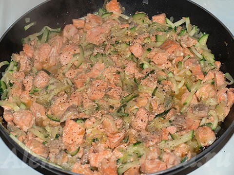 семга и кабачки цукини
