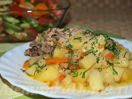 Картошка с курицей в мультиварке-скороварке. Готовое блюдо.