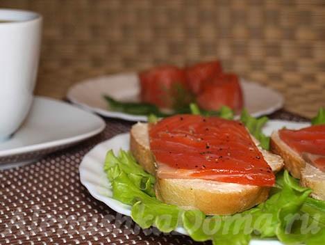 Форель или сёмга малосольная на завтрак