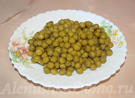 Горошек для салата оливье с колбасой