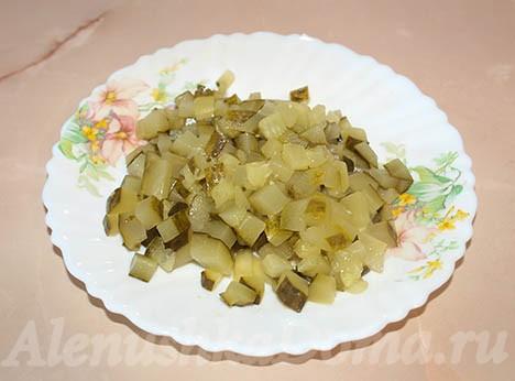 Огурцы для салата оливье с колбасой